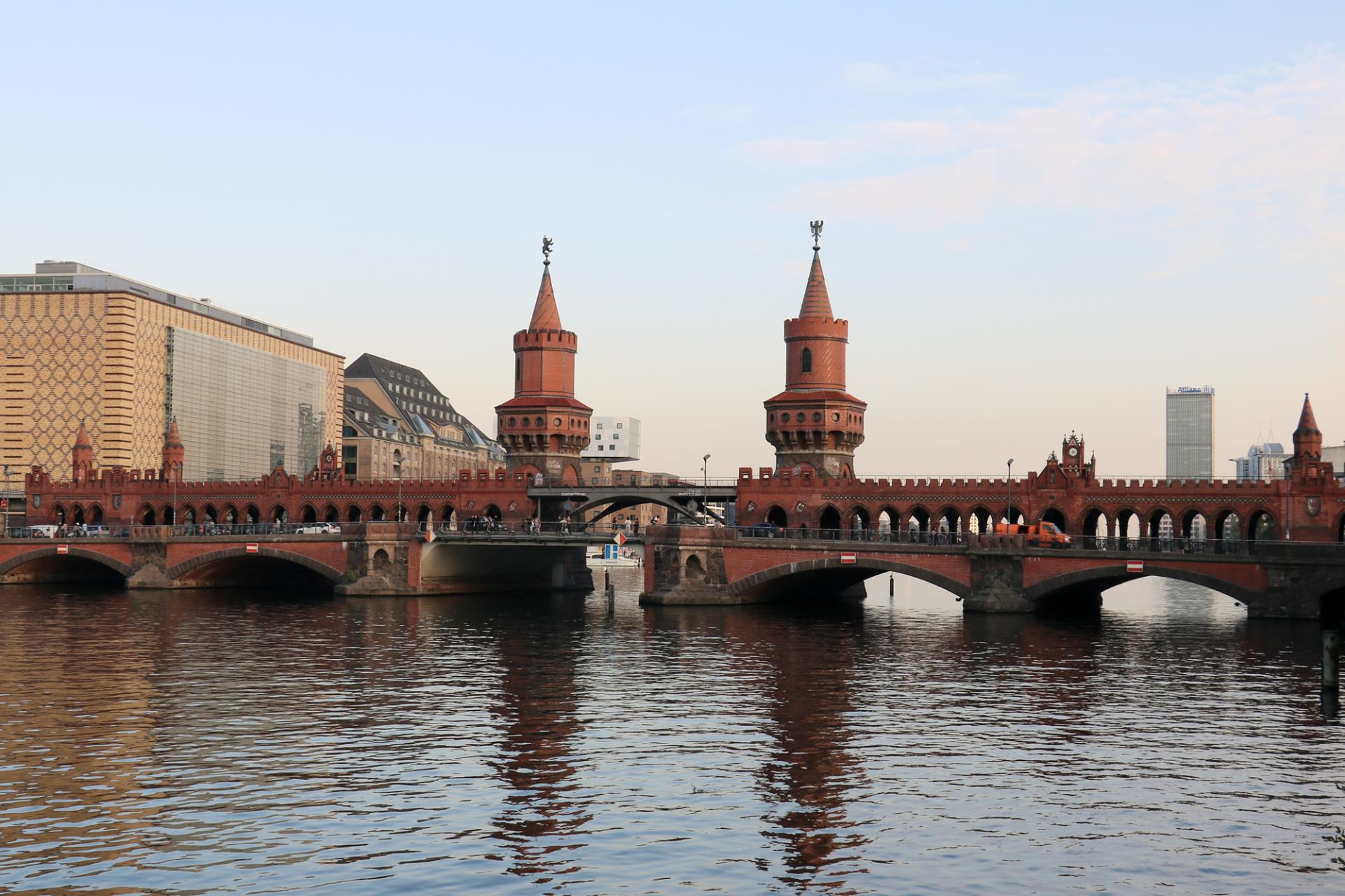 Die Oberbaumbrücke, Wahrzeichen des Bezirkes