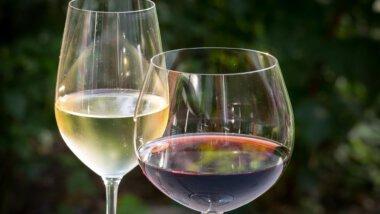 Weiß- und Rotwein